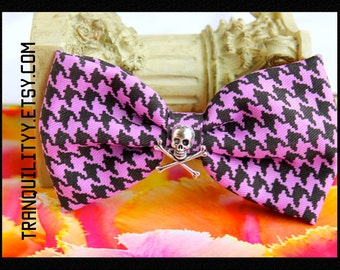 Skull Plaid Hair Bow , Purple n Black Plaid ,Hair Bow, Gothic, Scene, Hispter, Handmade By: Tranquilityy
