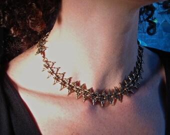 Spine like necklace in Bronze - Alyssa