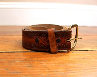 Vintage Fashion... Vintage Tooled Womans Leather Belt