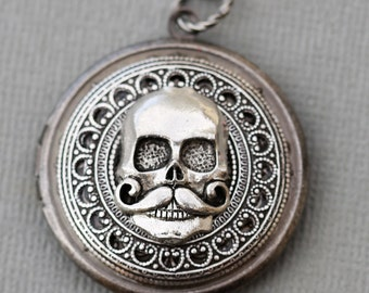 Skull Silver Locket,Jewelry Gift, Antique Locket,Silver Locket,Wedding,Bridal Jewelry,Bridesmaids Gift