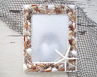 Nautical Shell Mirror with Finger Starfish, Large.