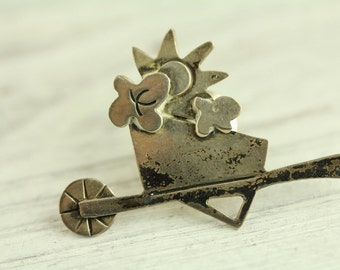 Sterling Silver Wheelbarrow Pin Brooch Garden Yard Cart Mexico Cut Out Applied Unique Detailed Piece (ET227 )
