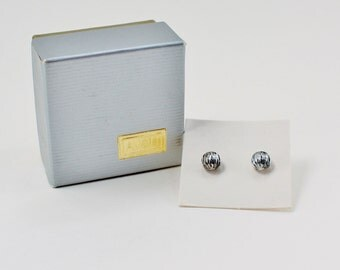 Vintage 1980 Signed Avon Silver Plated Fluted Small Stud Pierced Modernist Minimalist Earrings in Original Box NIB
