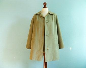 Vintage mint green coat jacket / a line tent trapeze swing coat / raincoat / spring / 60s 70s / medium