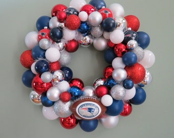 "NEW ENGLAND PATRIOTS Ornament Wreath 16"" shatterproof Super Bowl Champs"