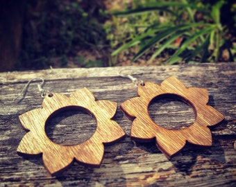 Wood Geometric Flower Dangle Earrings