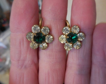 Vintage Small Gold Tone Screw Back Earrings Clear and Emerald Green Rhinestones Small 1950s to 1960s  Flowers Sparkly
