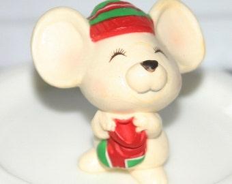 Vintage Hallmark Christmas Merry Miniature Mouse 1979