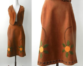 Vintage 1970s Country Western Brown Suede Skirt & Vest Set, 70s Hippie Skirt, 70s Hippie Vest, Boho Vest, Boho Skirt, Floral Suede Skirt