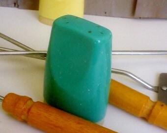 Vintage Melamine Boontonware Pepper Shaker / Aqua Melmac Shaker