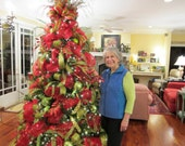 Downloadable Video How to Decorate a Christmas Tree with Mesh, Mesh Christmas tree, DIY decorating with mesh, Deco Mesh Christmas tree