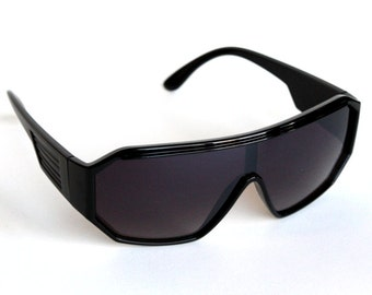 Rasslor Retro Black Shield Sunglasses