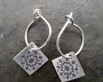 Roma Earrings - Carnation