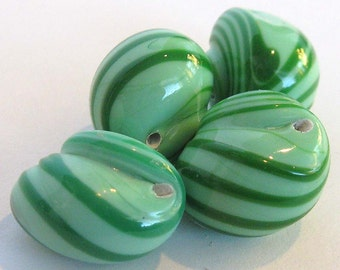 Vintage Snail Beads E209