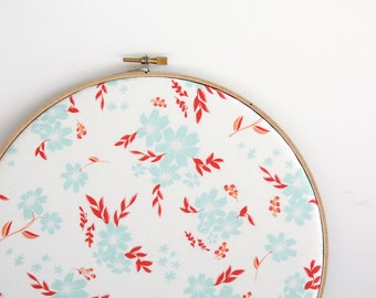 Floral Cork Memo Board, Embroidery Hoop, Real Wood SliceTacks, Organize, Wall Decor, Home Office