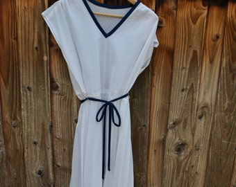 Vintage DRESS WHITE with Navy Blue Trim PLEATED Skirt Woman's Large Extra Large