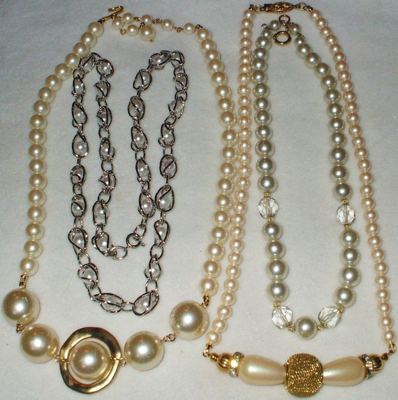 Single Strand Pearl Necklace: 4 Vintage Single Strand Glass Pearl Necklace