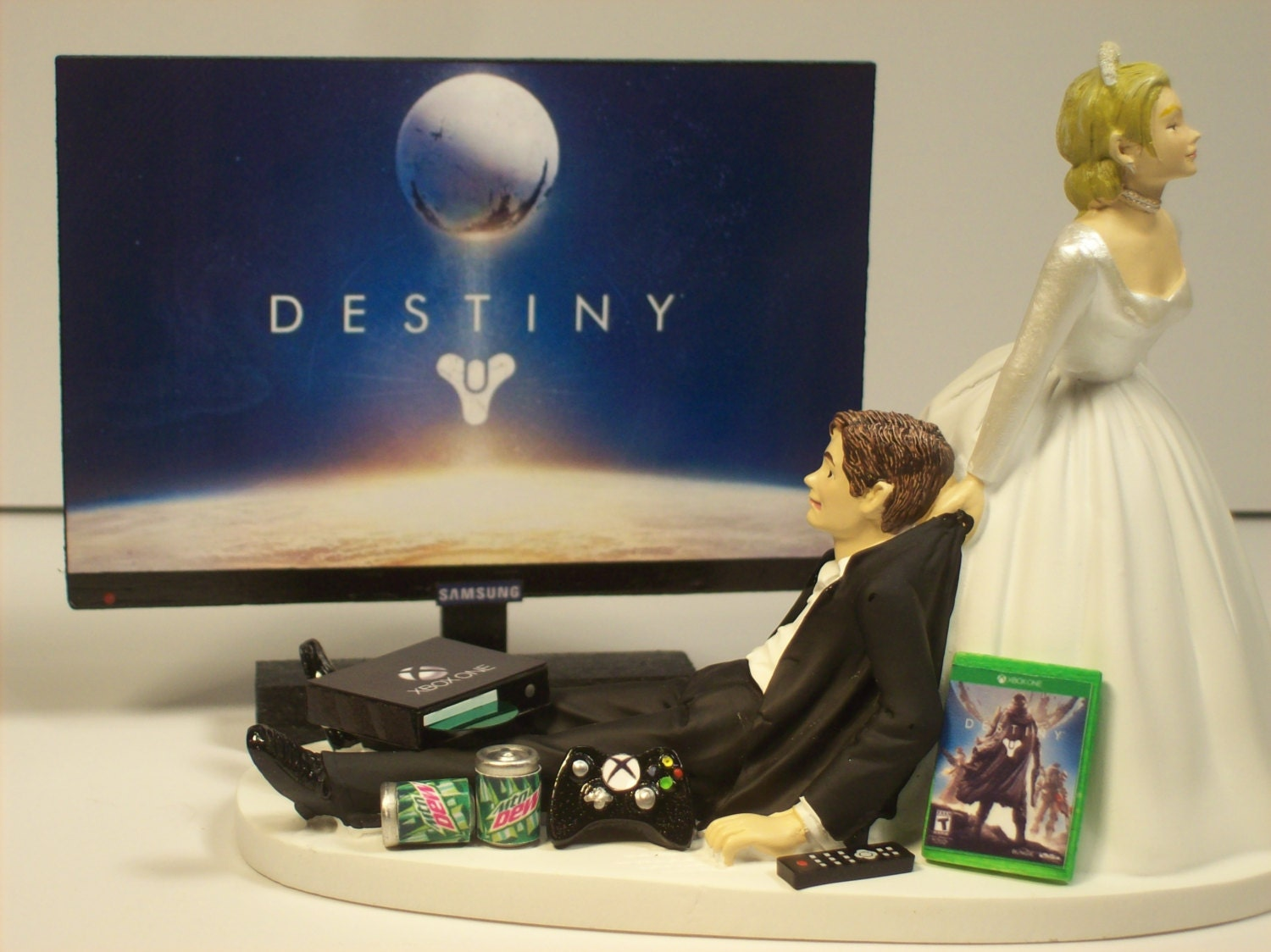 Video Game Junkie Funny Gamer Wedding Cake Topper By Mikeg1968