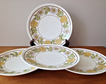 Taylor Smith & Taylor Daisy Wreath Green Plates