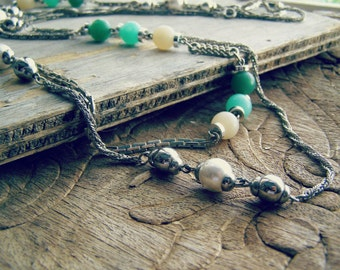 2 Vintage Strand Necklaces, Beaded Chain Set Layered long Necklace, Retro Boho Everyday Summer Jewelry White Pearl and Green Bead necklace