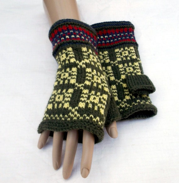 Hobo Gloves Knitting Pattern : hand knitted fingerless gloves knit green by peonijahandmadeshop