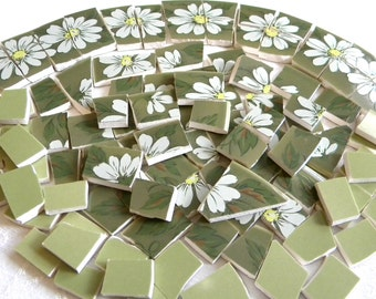 RETRO Mosaic Tiles - Broken China White Daisies - 100 Tiles