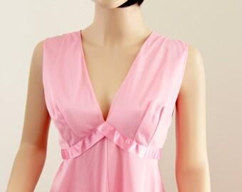 Beautiful Vintage Vanity Fair Long Pink Negligee Nightgown