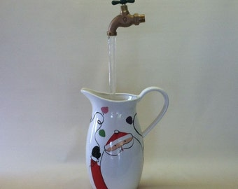 Santa Pitcher Floating Faucet Water Fountain