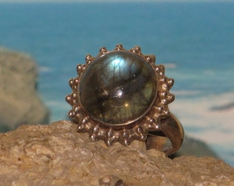 Sterling silver labradorite ladies / womens ring