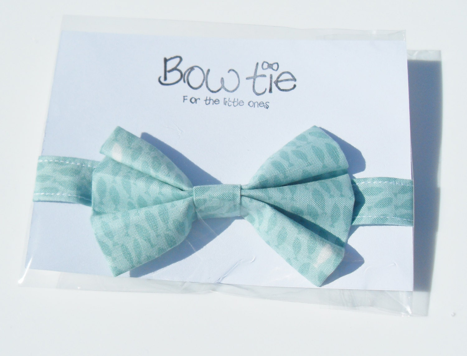 Boys bow tie fish bowtie for boys baby bow tie wedding for Fish bow tie