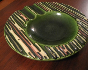 Vintage ceramic ash tray.  Signed California, Bennett.  Pottery art.  Funky.