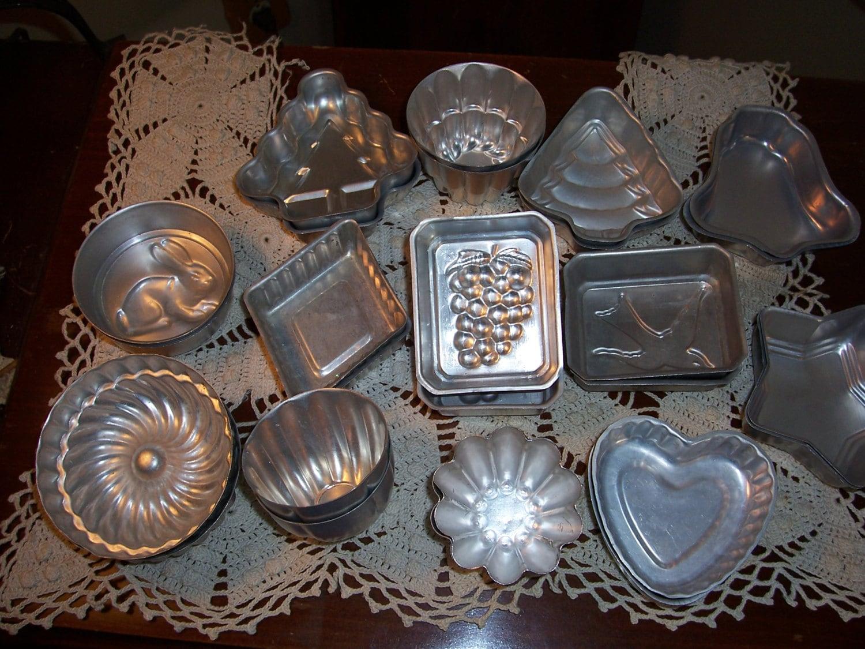Set of 25 shaped tin baking molds for baking soap for Soil x cleaner