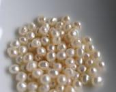 100pcs ivory freshwater pearl beads
