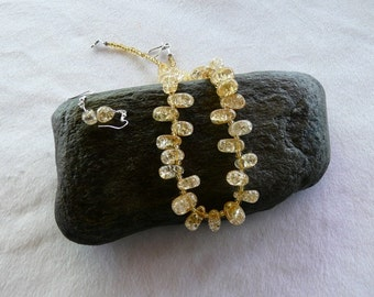 19 Inch Chunky Golden Yellow Crackle Glass Necklace with Earrings