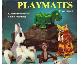 Pets & Playmates Plastic Canvas Pattern Plaid's 7514