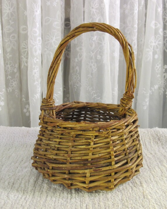 How To Weave A Basket Out Of Twigs : Vintage s rustic woven small twig basket with handle