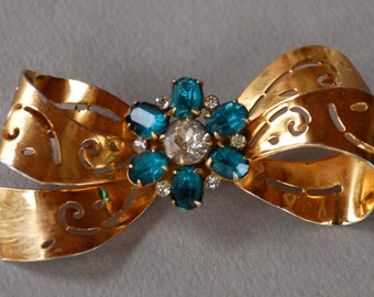 Vintage Coro Brooch Blue Topaz Rhinestones Bow Pierced Design Late Art Deco Retro Period 1940's // Vintage Designer Costume Jewelry