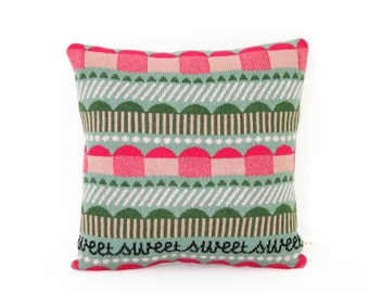 Cupcakes - Lambswool / Leather pillow
