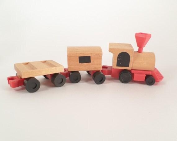 Wood or plastic train set 900100