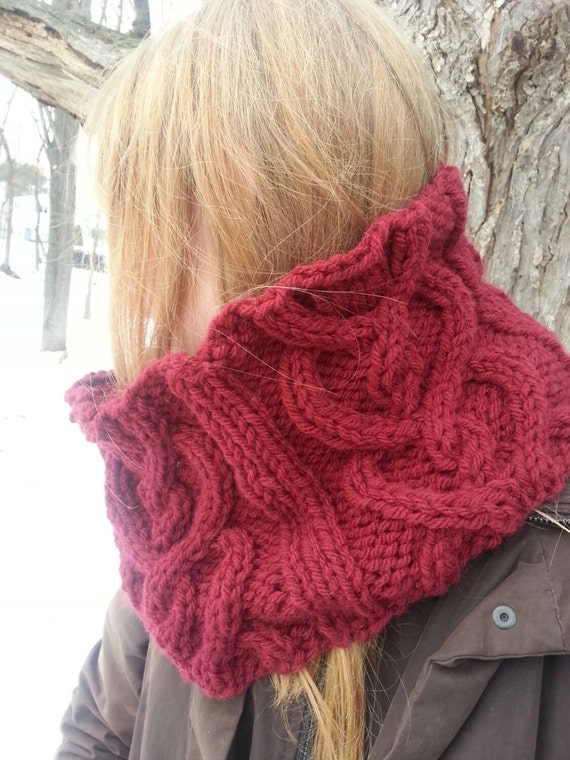 Knitting Patterns For Chunky Weight Yarn : KNITTING PATTERN: Outlander inspired hearts cable cowl, diy gift, chunky knit...