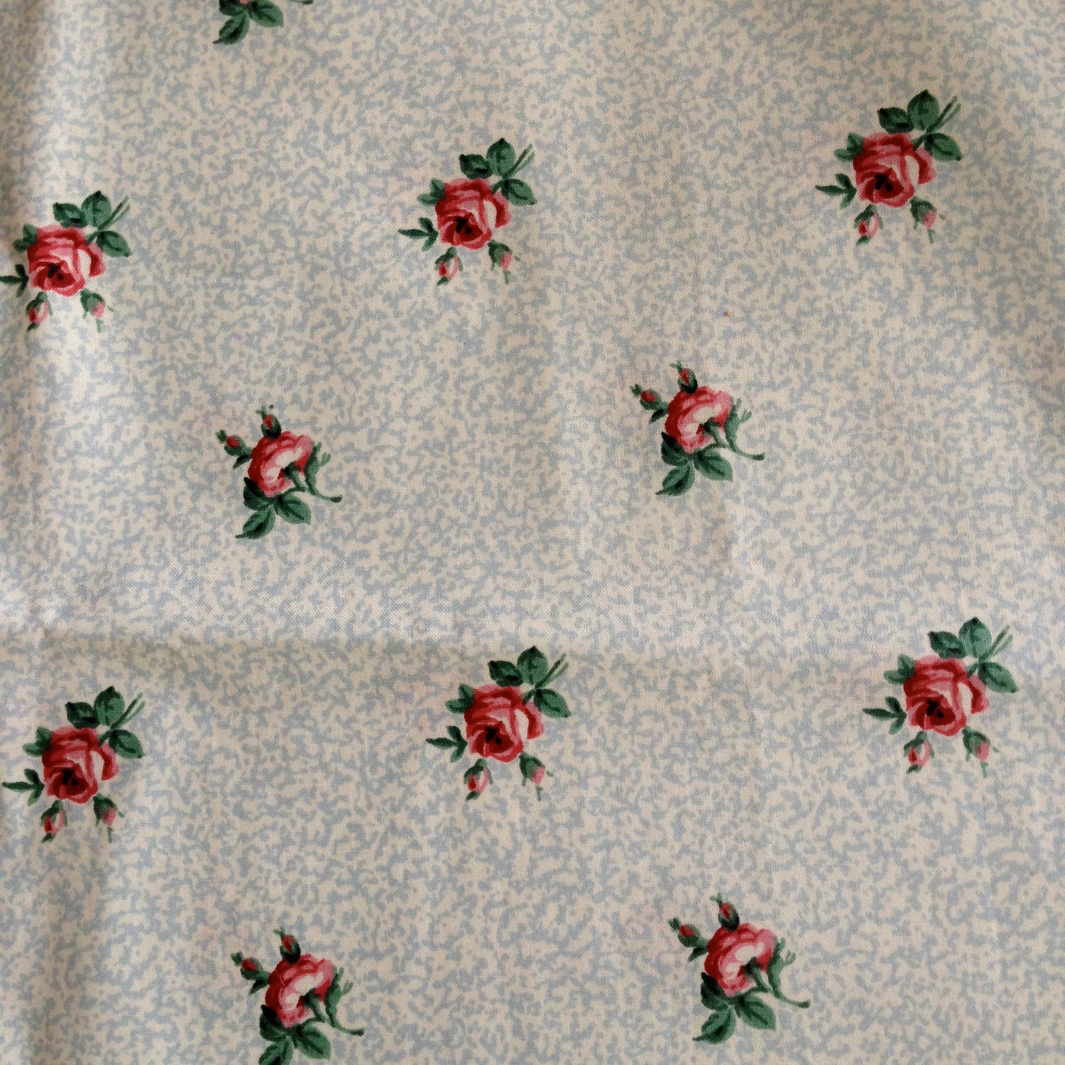 Vintage waverly chintz fabric roses on by glorialombarddesigns for Chintz fabric