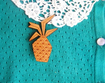 wooden mid-century 50s inspired pineapple brooch