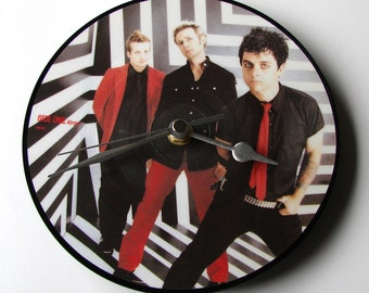 "GREEN DAY Vinyl Record CLOCK made from recycled 7"" picture Disc Cool gift for fans 90s 00s rock Retro gifts for men guys dad brother sister"