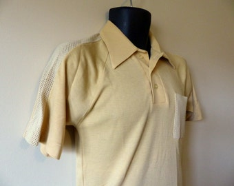 Vintage 70s Mens Polo Shirt / Muscle Mesh Open Weave Disco Golf Pointy Collar / Funky Groovy Hipster American Hustle / Chest 36 38 / XS S