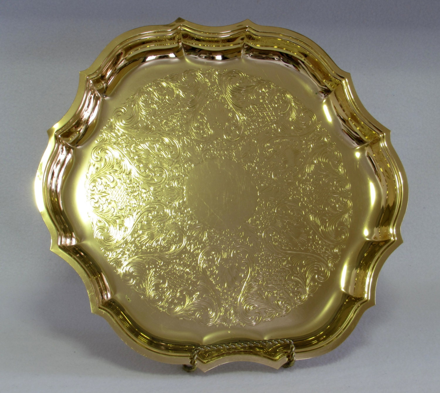 Gold Serving Platters & Trays: Create an elegant look for your next meal with this selection of serving platters and trays. gehedoruqigimate.ml - Your Online Serveware Store! Get 5% in rewards with Club O!