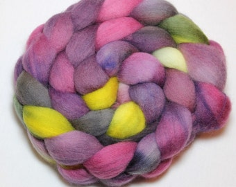 Handpainted Roving - Iris - Falkland Wool, 4 Ounces