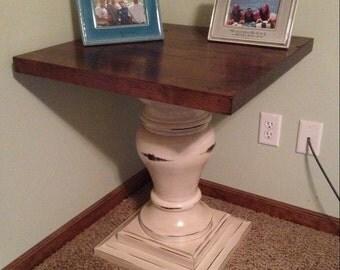 Elegant Style Pedestal Table