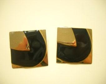 Vintage Gold Tone Metal & Enamel Pierced Earrings (8719**)