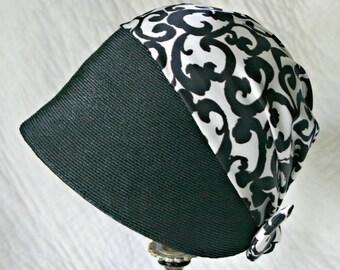 1960s Vincent de Koven Original Ladies Cloche Hat--Mod Black and White