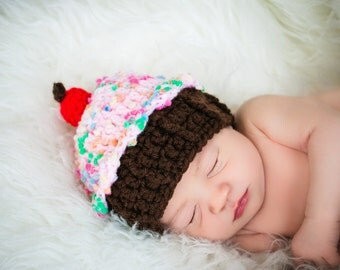 Baby Girl Crochet Cupcake Hat, Baby Birthday Hat, Photo Prop, Crocheted Baby Girl Hat, Crochet Baby Cupcake Hat, Baby Cake Hat, Baby Cupcake